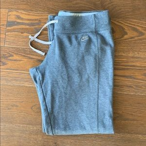 Nike Sweat Pants size Large, thick & Comfortable